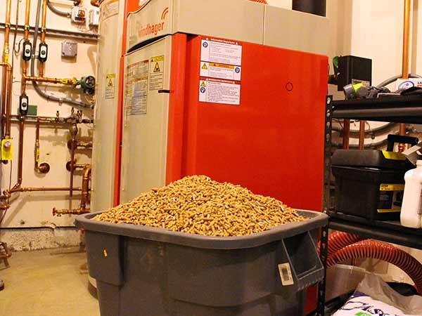 Pellet-per-caldaie-a-biomassa-industriali-Collecchio